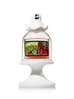 Ghost Cloche Pedestal Mini Candle Holder - Bath And Body Works Halloween Party Treats, Halloween Trick Or Treat, Halloween House, Fall Halloween, Mini Candles, Bath Candles, 3 Wick Candles, Halloween Candles, Lush Bath
