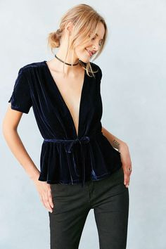 Kimchi Blue Cher Velvet Babydoll Top - Urban Outfitters
