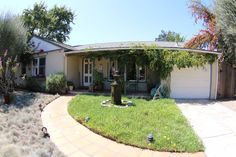 VILLA ALAMAR UNIQUE SPACE NICE YARD - vacation rental in Santa Barbara, California. View more: #SantaBarbaraCaliforniaVacationRentals