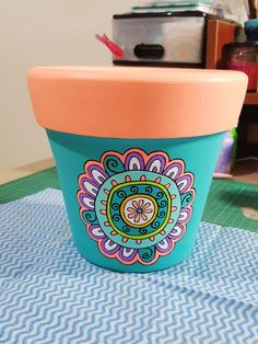 Painted Clay Pots, Painted Wicker, Painted Flower Pots, Painted Boxes, Pottery Painting, Diy Painting, Pottery Art, Painting Wicker Furniture, Mandala Painted Rocks