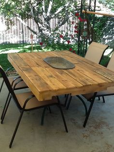 Pallet Table with cooler pan in middle