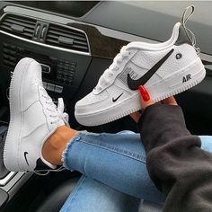 One of our favorite models! Get the new Nike Air Force One L . Nike Fashion, Look Fashion, Sneakers Fashion, Fashion Shoes, Men Fashion, Sneakers Mode, Best Sneakers, Nike Sneakers, Nike Air Shoes