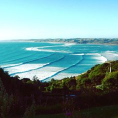 A few days of surf & yoga with this view  #hellosunshine #travel #newzealand…