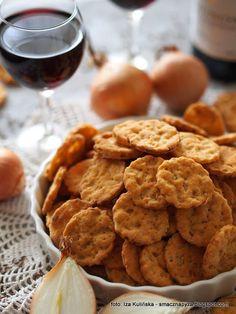 ciasteczka-cebulowe-przekaska-do-piwa-albo-wina Croatian Recipes, Mexican Food Recipes, Sweet Recipes, Georgian Food, Israeli Food, Australian Food, Fast Food, Savoury Baking, Caribbean Recipes