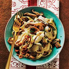 Fettuccine with Mushrooms and Hazelnuts - The Best Superfast Recipes - Cooking Light