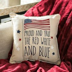 Celebrate the country you love with Americana decor from Kirkland's! This decor will give your home classic appeal with throwback art and maps of America. Fourth Of July Decor, 4th Of July Celebration, 4th Of July Decorations, July 4th, Metal American Flag, American Decor, Patriotic Crafts, July Crafts, Patriotic Quilts