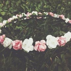 Image about pink in grunge by *wallflower* on We Heart It Grunge Tumblr, Tumblr Hipster, Hipster Tops, Favim, Pretty Pictures, Flower Power, Floral Wreath, Artsy, Flowers