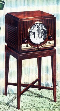 Zenith Television - 1949 - Roger Wilkerson, The Suburban Legend! Vintage Television, Television Set, Tvs, Vintage Tv, Vintage Antiques, Vintage Appliances, Retro Radios, Record Players, Old Tv