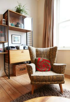 Home tour - Lesley's beautiful home is filled with furniture from charity shops, eBay and even skips!
