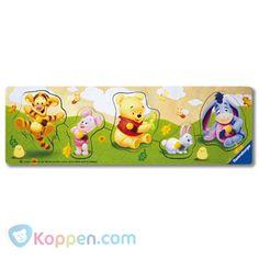 Kleine Winnie the Pooh. Houten speelplank met 5 puzzelstukjes. http://www.koppen.com/producten/categorie/merken/sub-categorie/disney/geslacht/beide/leeftijd/vanaf-0-tot-18-maanden/materiaal/hout/merk/ravensburger/aanbieding/all/prijs/-5,00-10,00/product/8403223 Prijs: € 5,19