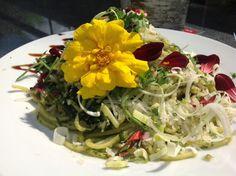 Spaghetti with bad-weed - pesto Pesto, Super Pizza, Spaghetti, Weed, Cabbage, Herbs, Vegetables, Garden, Garten