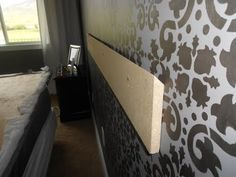 such a helpful inexpensive tip to mount a headboard!