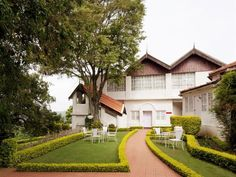 Ooty The Gateway Hotel Church Road - Coonoor India, Asia Located in Coonoor, The Gateway Hotel Church Road - Coonoor is a perfect starting point from which to explore Ooty. The hotel offers a wide range of amenities and perks to ensure you have a great time. To be found at the hotel are free Wi-Fi in all rooms, 24-hour room service, facilities for disabled guests, Wi-Fi in public areas, valet parking. Television LCD/plasma screen, internet access – wireless, internet access – ...