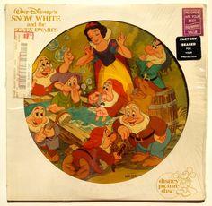 Walt Disney's Snow White and the Seven Dwarfs Soundtrack - Picture Disc LP Vinyl Record Album, Disneyland - Original Pressing Walt Disney Animation, Animation Film, Disney Animated Classics, German Fairy Tales, Usa Pictures, Silly Songs, Sound Film, Storyboard Artist, Fantasy Films