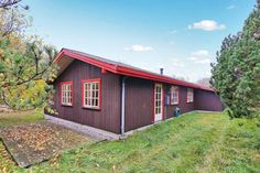 Bindslev Holiday Home 18 Bindslev Situated in Tannisby, this holiday home is 27 km from Skagen. The unit is 27 km from Frederikshavn.  A TV is provided. Other facilities at Bindslev Holiday Home 18 include a terrace.
