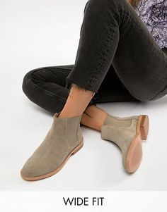 bc2e799f172e5 ASOS DESIGN Wide Fit Aura suede chelsea ankle boots Auras, Obuwie, Casual,  Fitness