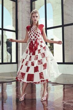 Fendi | Resort 2017 Collection | Vogue Runway
