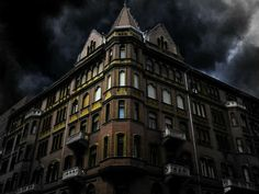 22 of the Most Haunted Places in America, According to Paranormal Experts Paranormal, Hotels In Romania, Two Way Mirror, Most Haunted Places, Places In America, Haunted Hotel, Ghost Tour, Ghost Hunting, Scary Stories
