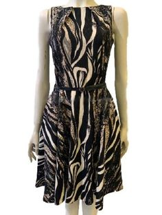 robe patineuse imprimé zèbre - CpourL Formal Dresses, Fashion, Fashion Ideas, Skater Dress, Trendy Outfits, Dress Ideas, Gowns, Dresses For Formal, Moda