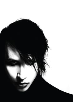 Marilyn Manson, he looks so different in this