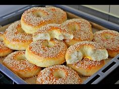 Don& Miss the Different and Not Stolen Donut Do Not Miss This Recipe . Pretzel Bagel Recipe, Pretzels Recipe, Donut Recipes, Baby Food Recipes, Cookie Recipes, Food Garnishes, Yummy Food, Tasty, Turkish Recipes