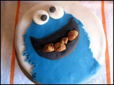 #recetasdepostres #tarta de #triki y #galletas #cookies #triki y #elmo buenísimas para una #primeracomunión! gracias a Cupcakes da Meiga! #blogscharhadas