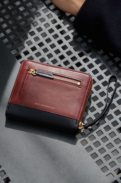 WANT Les Essentiels Portela zip wallet Leather Gifts, Leather Craft, Leather Bag, Wallet With Coin Pocket, Zip Wallet, Best Minimalist Wallet, Handmade Gifts For Friends, Leather Wallet Pattern, Small Leather Goods