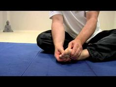 The wise man indulges his feet - Qigong Online-Tutorial - YouTube