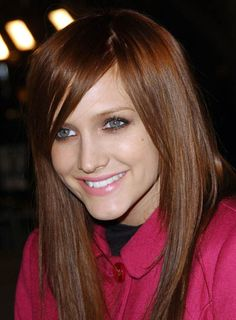 Ashlee Simpson Red Hair | Ashlee Simpson's long, side-swept bangs lend a cool edge to her long ...