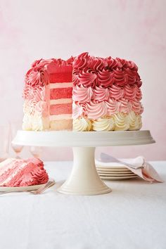 The Williams Sonoma Test Kitchen teaches you how to fix a leaning layer cake, how to make a naked cake, & easy layer cake decorating ideas. Tall Cakes, Round Cakes, Beautiful Cakes, Amazing Cakes, Plain Cake, Layer Cake Recipes, 3 Layer Cakes, Ombre Cake, Valentine Cake