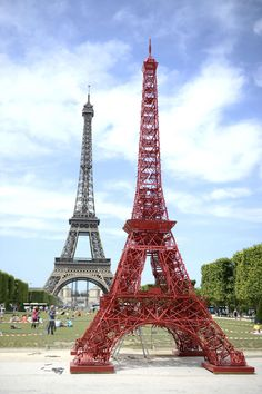 The Eiffel Tower recreated out of 324 red garden chairs!