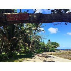Sign? What sign? #ThugLife #Philippines #ItsMoreFunInThePhilippines #StudyAbroad #IPSLGrad #IPSL by jessica.mercedes