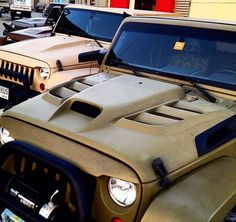 CHOOSE THE HOOD STYLE YOU WANT ON YOUR JEEP