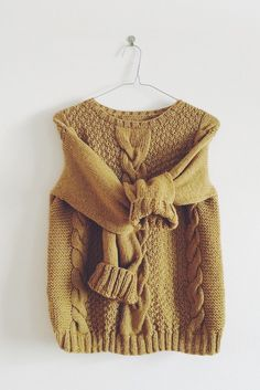 """KNIT PATTERN in english and french - Sweater """"Agatha"""" by MarcelleetClo on Etsy https://www.etsy.com/listing/219088685/knit-pattern-in-english-and-french"""