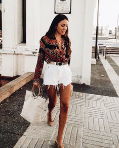 74 Beautiful Summer Outfits Perfect that You Must Try In Holiday Mode Outfits, Casual Outfits, Fashion Outfits, Womens Fashion, Fashion Trends, White Short Outfits, Fashion 2020, 80s Fashion, Daily Fashion