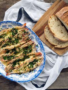 Garlic Butterfly Prawn Recipe | www.bellyrumbles.com