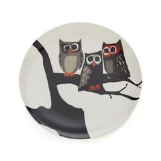 Owl trio is a hoot, with wide-eyed curiosity and whimsy.  Easy-care melamine plate is dishwasher-safe and perfect for kids' Halloween parties. 100% melamineDishwasher-safeFor indoor or outdoor useMade in China.