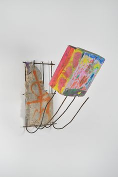Anita Molinero, Sans titre (multicolores), 2014, (de la série des petits bétons de la petite ceinture), Béton, fer à béton, polystyrène coloré, 52 x 28 x 49 cm, Pièce unique, Certificat d'authenticité, Photo © Rebecca Fanuele