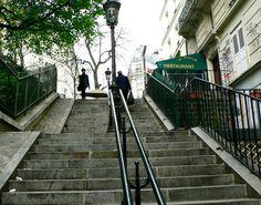 les célèbres escaliers de montmartre