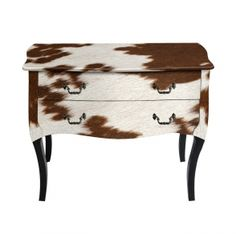 Kingdeful 's 2 Drawers Nightstand with graceful curves, exquisite designs and delicate wood define everything in this collection. Kingdeful is your wise choice in first class bedside tables with Fashionable pattern. 2 Drawer Nightstand, Vintage Furniture, Bedside Tables, Drawers, Ottoman, Custom Design, Room Decor, Chair, Wood