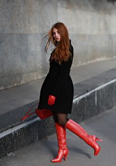 Ann Umbird: Spring in the air Thigh High Boots Heels, Stiletto Boots, Sexy High Heels, Heeled Boots, Red Leather Boots, Red Boots, Leather Gloves, Talons Sexy, Outfit Invierno