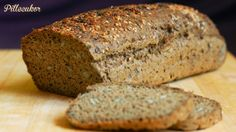 Pillecukor ♥: Az én jól bevált paleo kenyerem továbbfejlesztve :) Paleo Bread, Bread Baking, Gluten Free Recipes, Vegetarian Recipes, Banana Bread, Rolls, Vegan, Desserts, Food