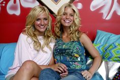 Pin for Later: Diese Star-Fotos werden euch direkt zurück in die 90er Jahre versetzen Ashlee und Jessica Simpson, 2003