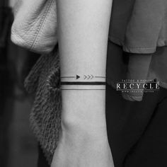 Search inspiration for a Minimal tattoo. Arm Band Tattoo For Women, Wrist Band Tattoo, Wrist Bracelet Tattoo, Forearm Band Tattoos, Armband Tattoo, Mini Tattoos, Small Tattoos, Tattoos Pulseras, Band Tattoo Designs