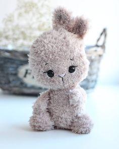 Crochet Animal Amigurumi, Crochet Amigurumi Free Patterns, Crochet Animal Patterns, Crochet Doll Pattern, Crochet Bunny, Stuffed Animal Patterns, Cute Crochet, Amigurumi Doll, Crochet Case