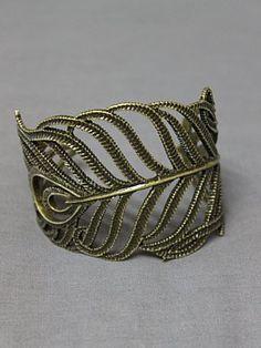 Peaking Gold Cuff Bracelet. Been lookin for a gold bracelet...
