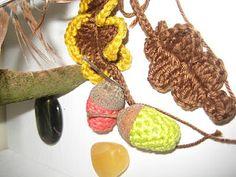 crochet acorns and leaves