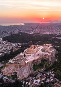 trendy ideas for travel greece athens history Cool Places To Visit, Places To Travel, Travel Destinations, Mykonos Greece, Santorini, Crete Greece, Acropolis Greece, Greece Photography, Travel Photography