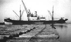 4 januari 1950  Het vrachtschip ms 'Berkel' (1930)  van de rederij N.V. Houtvaart uit Rotterdam, http://koopvaardij.blogspot.nl/2016/01/4-januari-1950.html