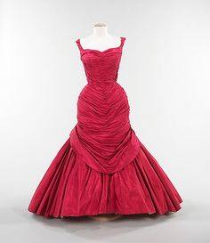 """- """"Tree"""" dress by Charles James 1955 Vintage Outfits, Vintage Gowns, Vintage Mode, Vintage Clothing, Charles James, 1950s Style, 1950s Fashion, Vintage Fashion, Pretty Dresses"""